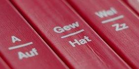 Buchrücken Lexikonbände