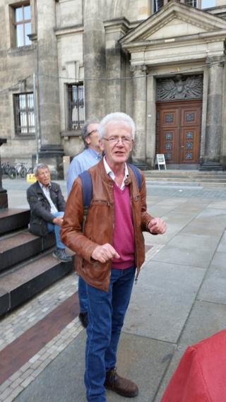 Dr. Willy Buschak